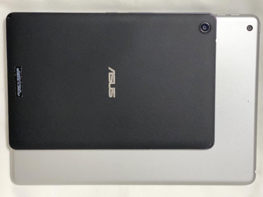 ASUS ZenPad 3 8.0 Z581KL-BK32S4 SIMフリーとサイズ比較